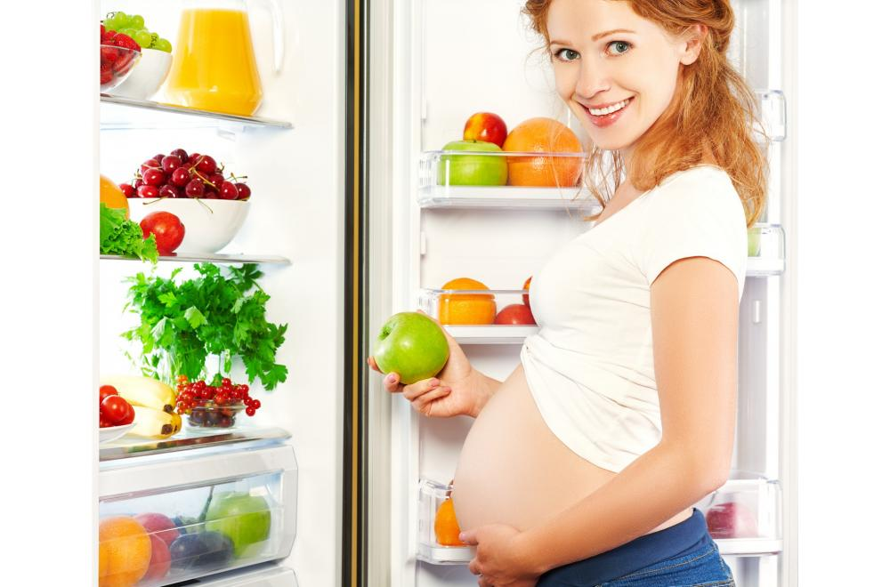 How early do pregnancy cravings start