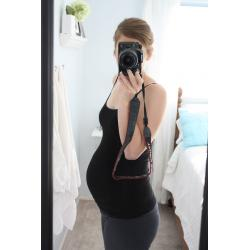 26 weeks pregnant belly photo