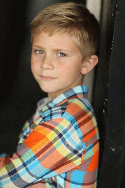 aiden flowers - actor