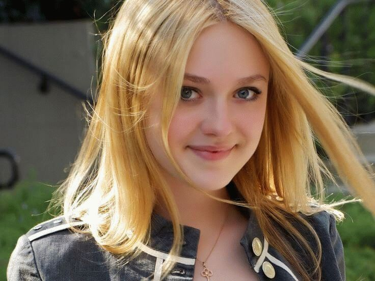 (Hannah) Dakota Fanning, American actress