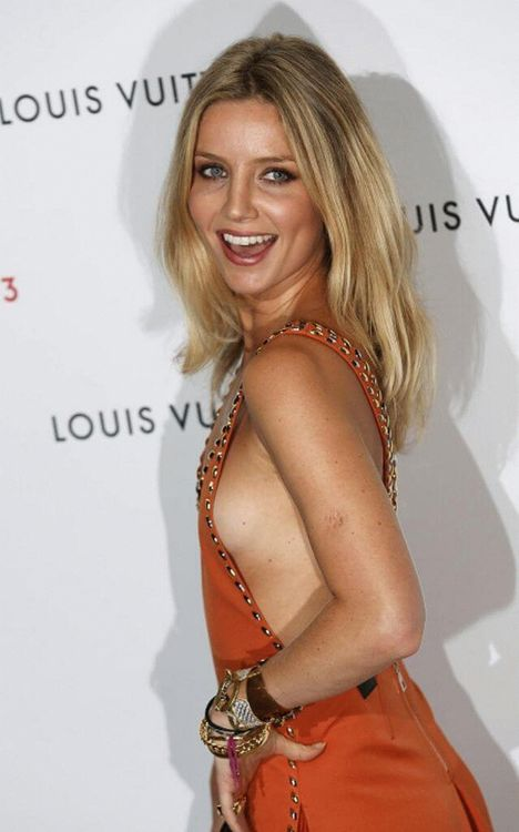 Annabelle Wallis, English actress